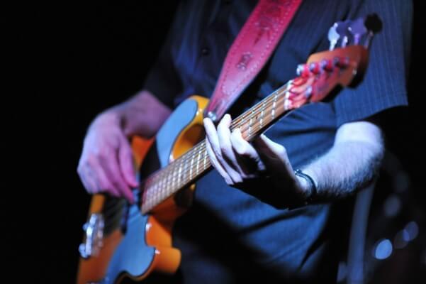Bass Gitarı Nasıl (Slap) Tokatlamalı ?